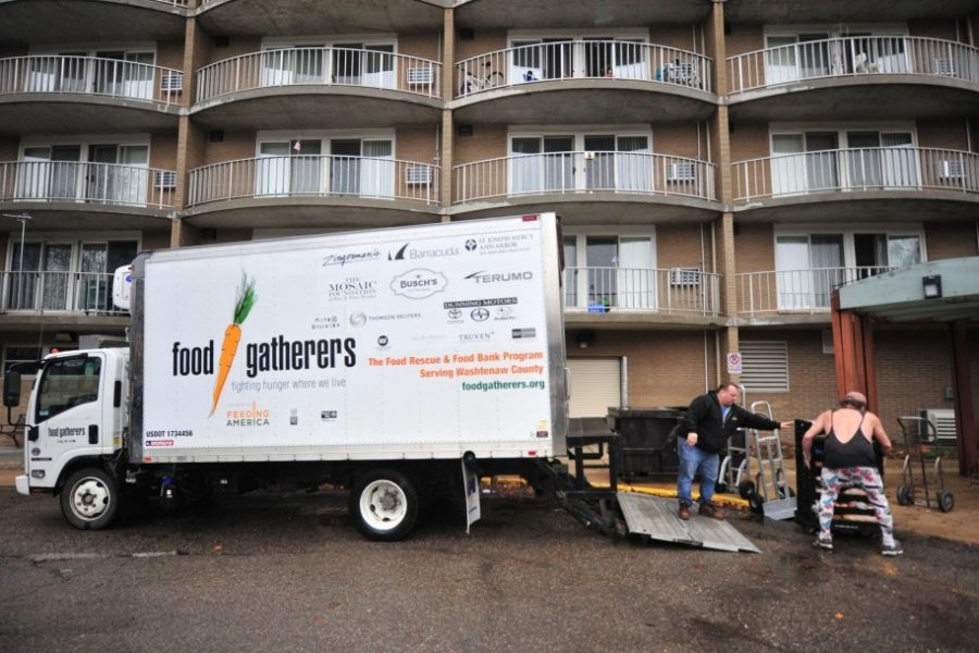 Food Gatherers truck getting donations