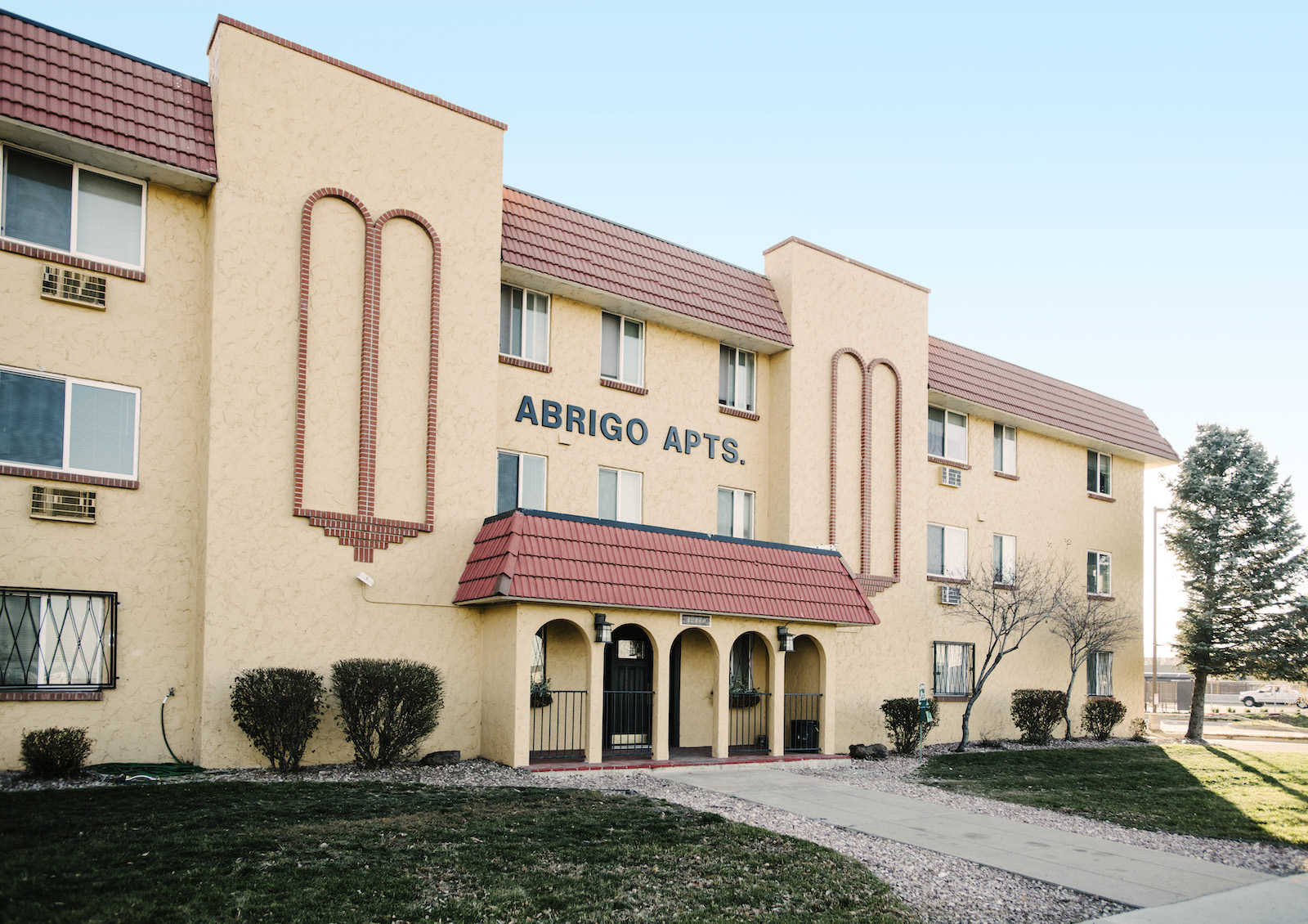 Outside of abrigo apartments