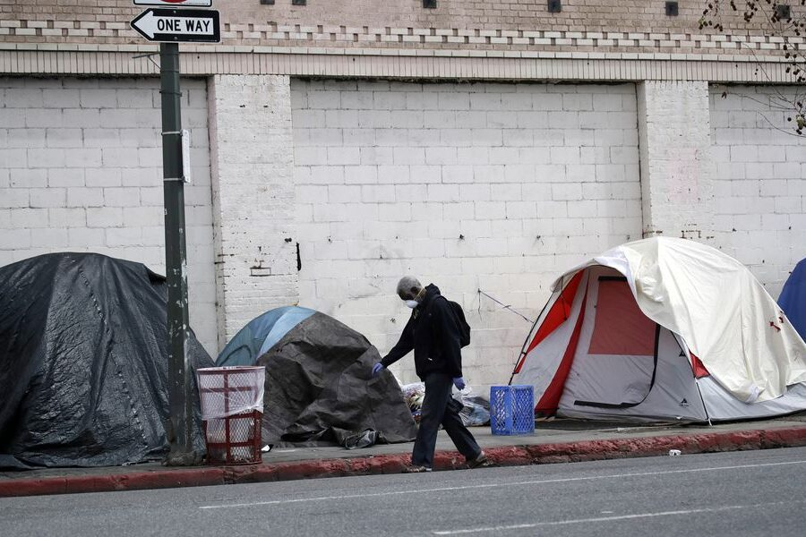 Photo of unsheltered homelessness. Credit: Marcio Jose Sanchez